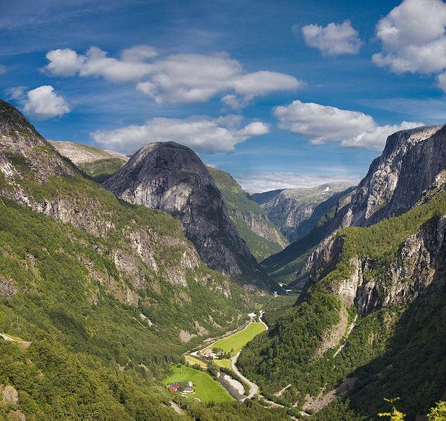 La vallée de Gudvangen - Kenny Louie